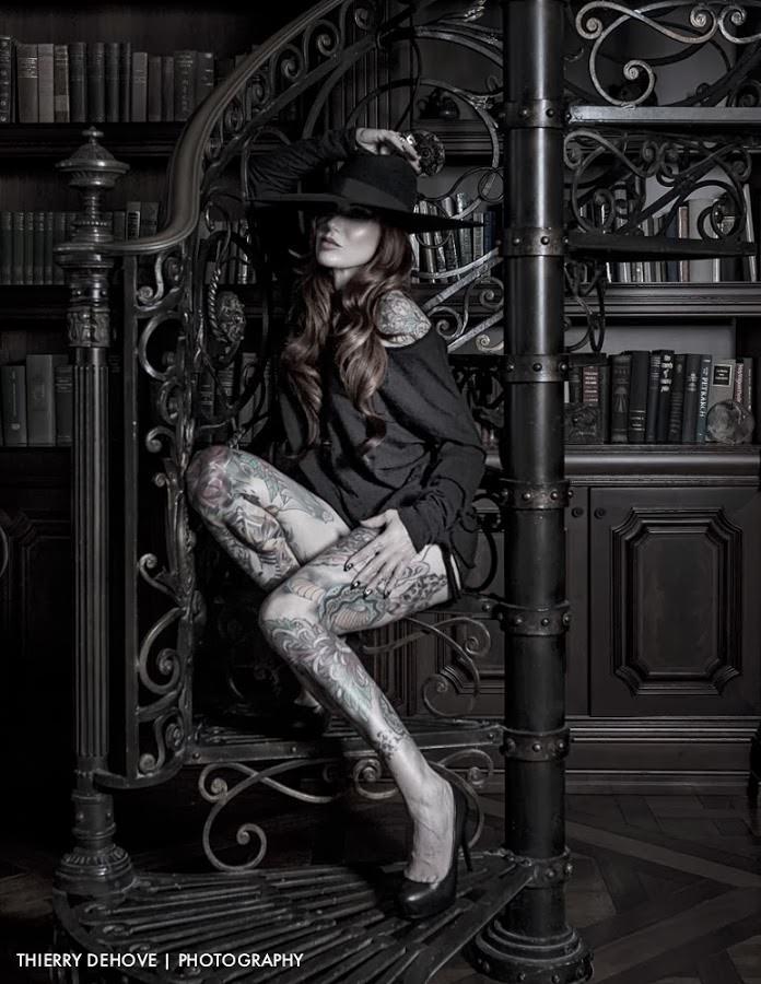 Portrait lighting tutorial with Lea Vendetta and Westcott Apollo Strip